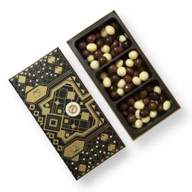 Amandelen en hazelnoten met chocolade coating