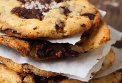 Recipe chocolate chip cookies with sea salt