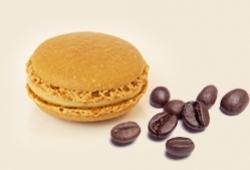 Die Makrone des Monats Oktober mit Kaffeegeschmack